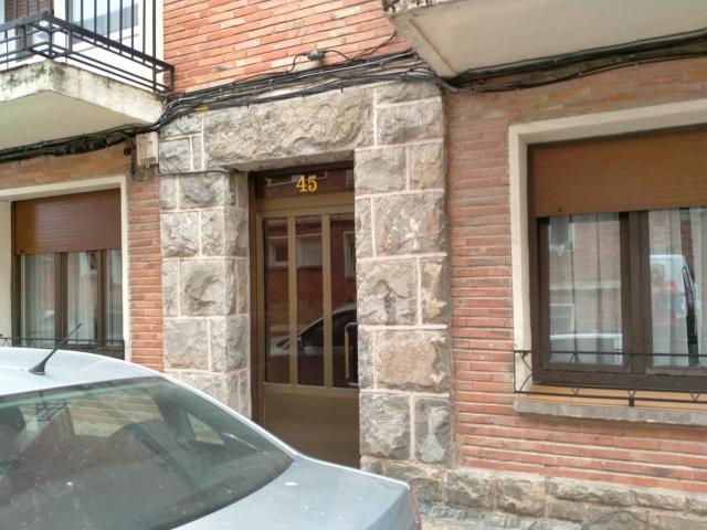 Piso en venta en Altsasu/alsasua, Navarra, Calle la Paz, 55.000 €, 3 habitaciones, 1 baño, 75 m2
