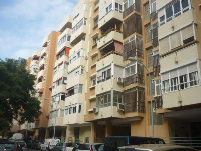 Piso en venta en Torremolinos, Málaga, Calle Rio Guadalope, 91.200 €, 1 habitación, 1 baño, 57 m2