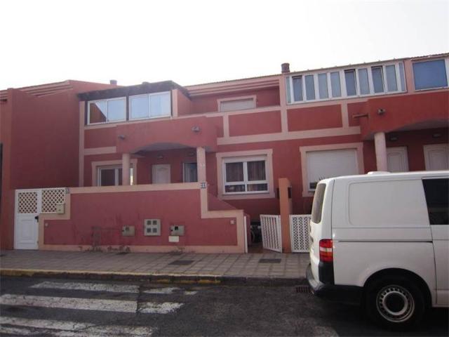 Piso en venta en Puerto del Rosario, Las Palmas, Calle Bernegal, 139.100 €, 3 habitaciones, 2 baños, 146 m2