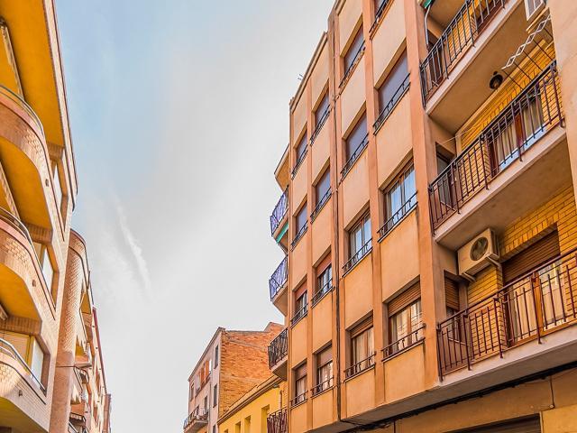 Piso en venta en Tortosa, Tarragona, Calle S Enric Dosso, 67.100 €, 4 habitaciones, 1 baño, 101 m2