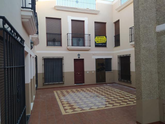 Piso en venta en Cabra, Cabra, Córdoba, Calle Redondo Marqués, 139.000 €, 3 habitaciones, 2 baños, 131 m2