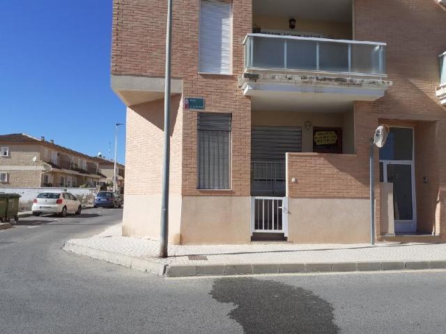 Piso en venta en Las Esperanzas, Pilar de la Horadada, Alicante, Avenida de los Villenos, 70.500 €, 3 habitaciones, 2 baños, 100 m2