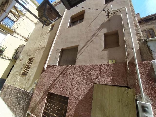 Piso en venta en Bítem, Tortosa, Tarragona, Travesía Gentildones, 41.500 €, 3 habitaciones, 1 baño, 122 m2