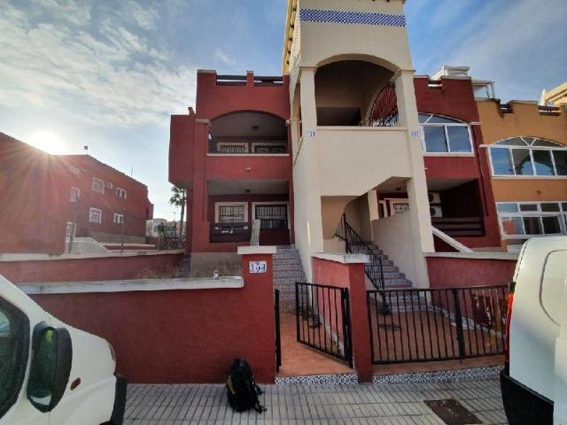 Piso en venta en Orihuela Costa, Orihuela, Alicante, Calle Lago Bañolas, 89.800 €, 2 habitaciones, 2 baños, 67 m2
