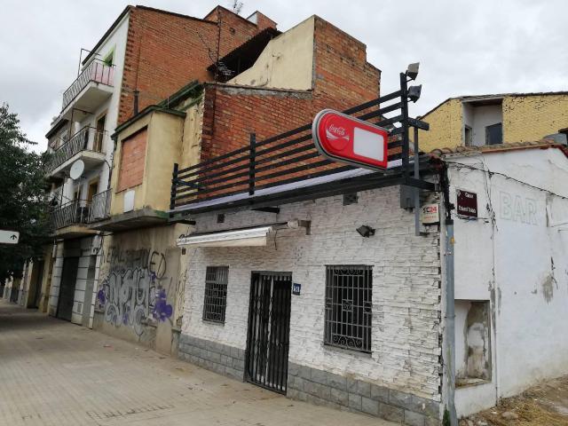 Casa en venta en Instituts - Templers, Lleida, Lleida, Avenida de Lexercit, 134.100 €, 4 habitaciones, 1 baño, 174 m2