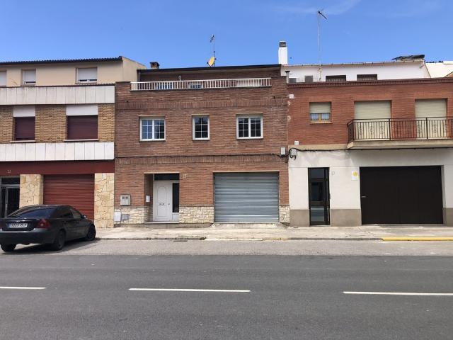 Casa en venta en Cervera, Lleida, Avenida Guissona, 250.000 €, 4 habitaciones, 2 baños, 392 m2