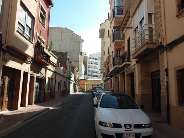 Piso en venta en Urbanización Penyeta Roja, Castellón de la Plana/castelló de la Plana, Castellón, Calle Roger de Lauria, 38.140 €, 2 baños, 73 m2