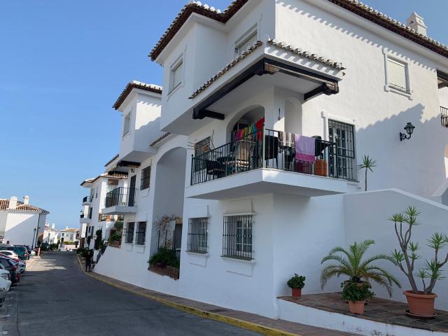 Piso en venta en Mijas, Málaga, Calle de Elgar, los Delfinas, 160.000 €, 3 habitaciones, 2 baños, 116 m2