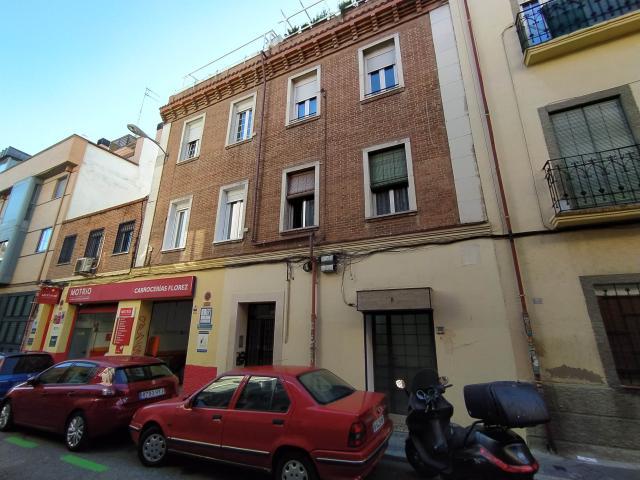 Piso en venta en Madrid, Madrid, Calle los Molinos, 215.000 €, 107 m2