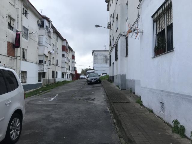 Piso en venta en Algeciras, Cádiz, Calle de la Adaja, 15.000 €, 2 habitaciones, 1 baño, 56 m2