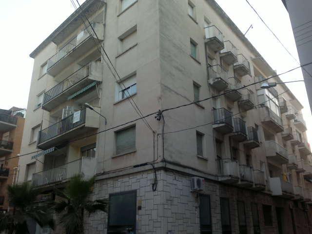 Piso en venta en Amposta, Tarragona, Calle Miquel Granell, 39.900 €, 3 habitaciones, 1 baño, 88 m2