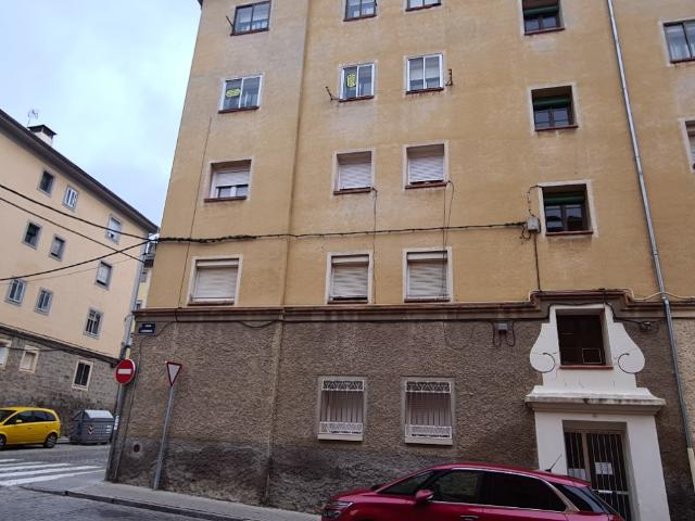 Piso en venta en Segovia, Segovia, Calle Vazquez Goldaraz, 57.005 €, 2 habitaciones, 1 baño, 65 m2