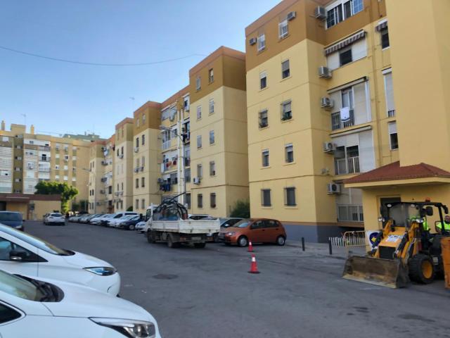 Piso en venta en Sevilla, Sevilla, Calle Charolistas, 84.500 €, 3 habitaciones, 1 baño, 77 m2