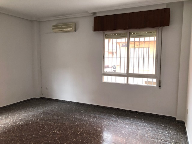 Piso en venta en Murcia, Murcia, Avenida Trovero, 82.000 €, 3 habitaciones, 1 baño, 83 m2