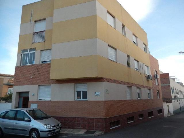Piso en venta en Vícar, Almería, Calle Arco, 73.900 €, 3 habitaciones, 138 m2