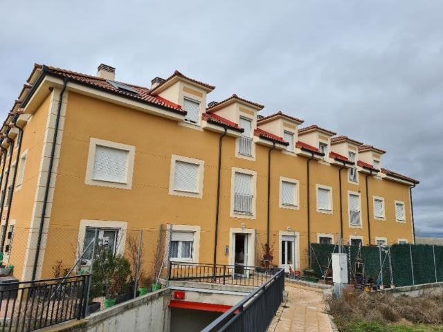 Piso en venta en Hontanares de Eresma, Segovia, Avenida Hontanares de Eresma, 70.000 €, 2 habitaciones, 1 baño, 75 m2