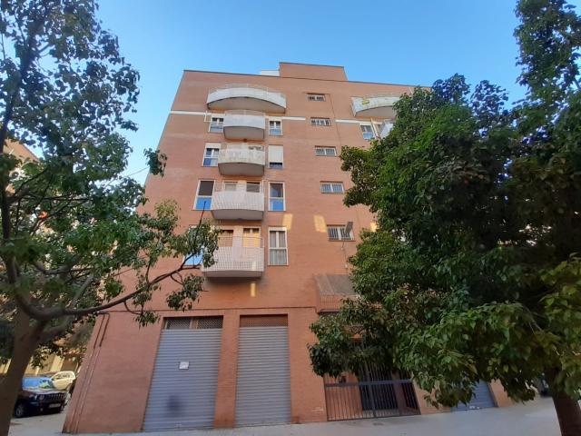 Piso en venta en Valencia, Valencia, Calle San Jose de Pignatelli, 139.400 €, 4 habitaciones, 2 baños, 121 m2