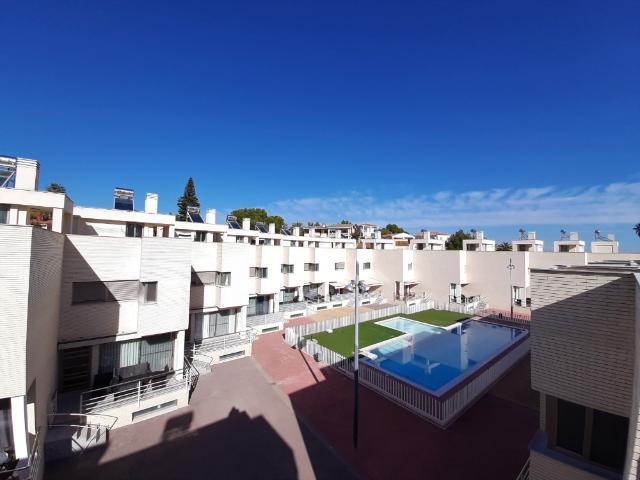 Casa en venta en Alginet, Valencia, Urbanización San Patricio, 191.000 €, 191 m2