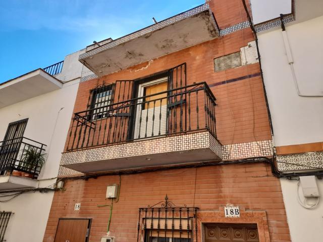 Piso en venta en Sevilla, Sevilla, Calle Castilleja de la Cuesta, 50.000 €, 2 habitaciones, 1 baño, 68 m2