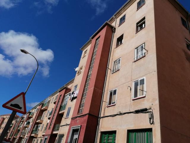 Piso en venta en Segovia, Segovia, Carretera de Villacastin, 48.500 €, 3 habitaciones, 1 baño, 57 m2