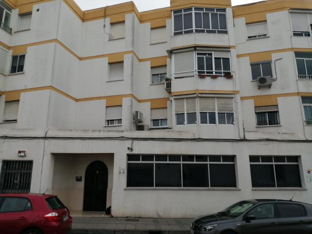 Piso en venta en Jerez de la Frontera, Cádiz, Calle del Carbon, 55.000 €, 3 habitaciones, 104 m2