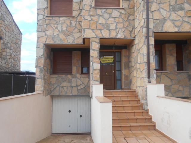 Casa en venta en Navaluenga, Ávila, Calle Majuelo, 205.000 €, 296 m2