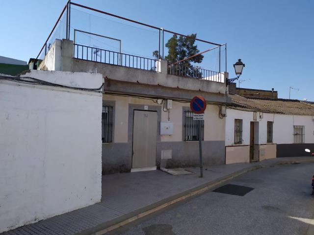 Casa en venta en La Rinconada, Sevilla, Calle Albacete, 116.000 €, 137 m2