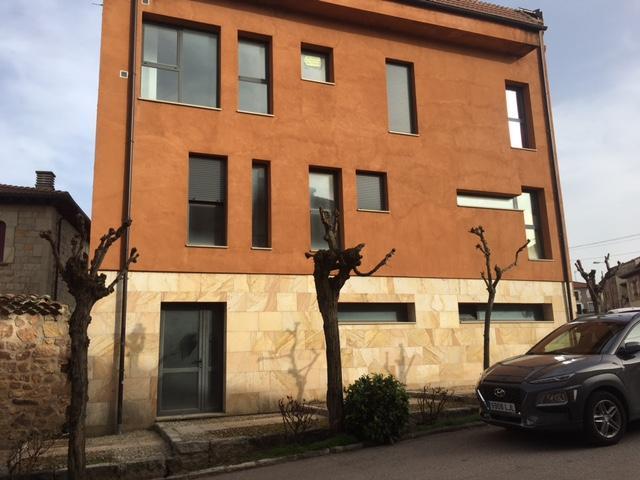 Piso en venta en Salas de los Infantes, Burgos, Calle Santa Maria, 74.300 €, 2 habitaciones, 2 baños, 126 m2