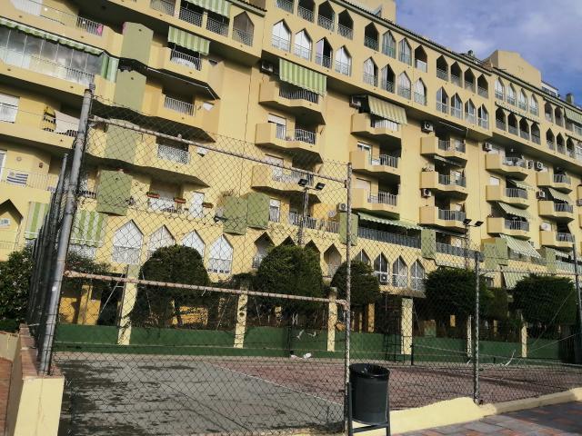 Piso en venta en Rincón de la Victoria, Málaga, Avenida Manuel Altolaguirre, 135.000 €, 3 habitaciones, 1 baño, 89 m2