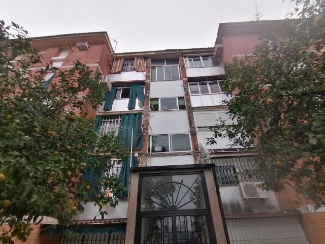 Piso en venta en Distrito Sur, Córdoba, Córdoba, Calle Algeciras, 40.000 €, 3 habitaciones, 1 baño, 59 m2