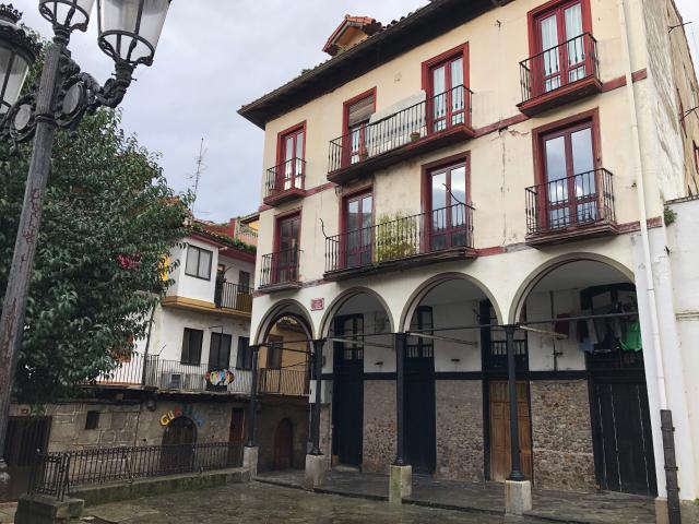 Piso en venta en Laredo, Cantabria, Plaza Marques de Albaida, 150.000 €, 4 habitaciones, 1 baño, 152 m2