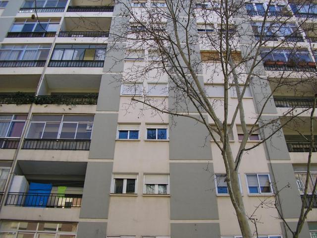 Piso en venta en La Jota, Zaragoza, Zaragoza, Avenida de la Jota, 90.000 €, 3 habitaciones, 2 baños, 80 m2