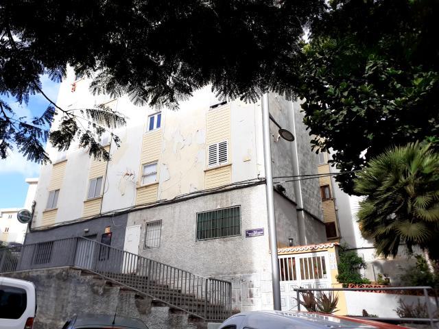 Piso en venta en Ofra-costa Sur, Santa Cruz de Tenerife, Santa Cruz de Tenerife, Calle Tomás de Armas Quintero, 50.000 €, 3 habitaciones, 1 baño, 68 m2