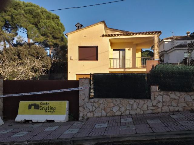 Casa en venta en Urbanització El Mas Trempat, Santa Cristina D`aro, Girona, Calle Puig Gros, 315.000 €, 4 habitaciones, 2 baños, 192 m2