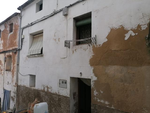 Casa en venta en Falces, Falces, Navarra, Calle Belena Cortijo Tercera, 28.700 €, 2 habitaciones, 1 baño, 136 m2