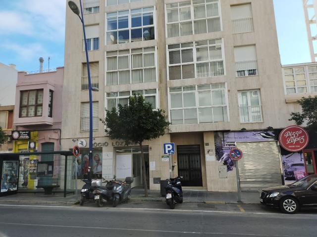 Piso en venta en Almería, Almería, Calle Pablo Iglesias, 190.000 €, 3 habitaciones, 2 baños, 110 m2