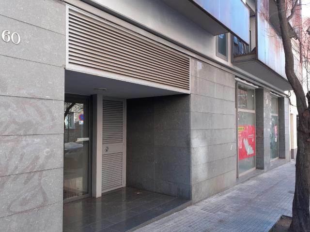 Piso en venta en Vallparadís, Terrassa, Barcelona, Calle Salvador Busquets, 192.400 €, 115 m2