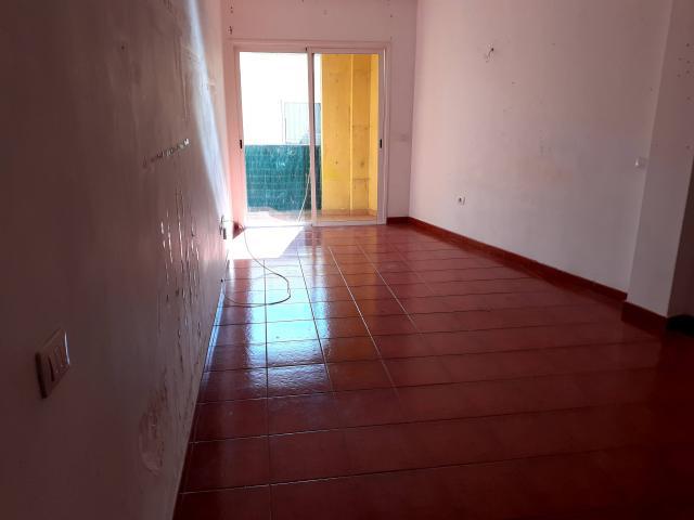 Piso en venta en Cabo Blanco, Arona, Santa Cruz de Tenerife, Urbanización la Camelia, 118.300 €, 3 habitaciones, 2 baños, 170 m2