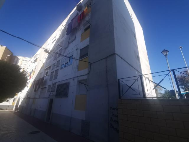 Piso en venta en Huelva, Huelva, Plaza Quito, 54.000 €, 3 habitaciones, 1 baño, 75 m2