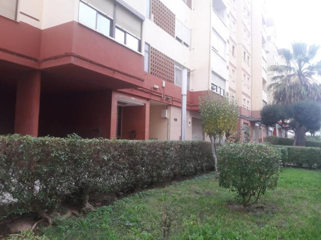 Piso en venta en Bonavista, Tarragona, Tarragona, Calle Riu Llobregat, 88.312 €, 2 habitaciones, 1 baño, 90 m2