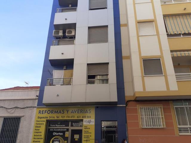 Piso en venta en Urbanización Calas Blancas, Torrevieja, Alicante, Calle del Mar, 59.000 €, 2 habitaciones, 1 baño, 65 m2