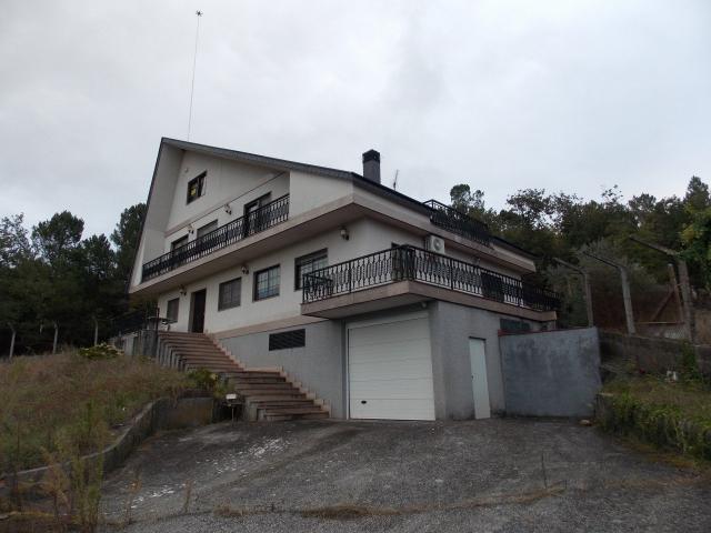 Casa en venta en San Cibrao Das Viñas, Ourense, Calle Lugar Soutopenedo, 315.000 €, 3 habitaciones, 3 baños, 480 m2