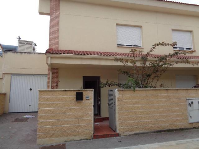 Casa en venta en Tielmes, Madrid, Paseo Estacion, 117.400 €, 3 habitaciones, 1 baño, 166 m2