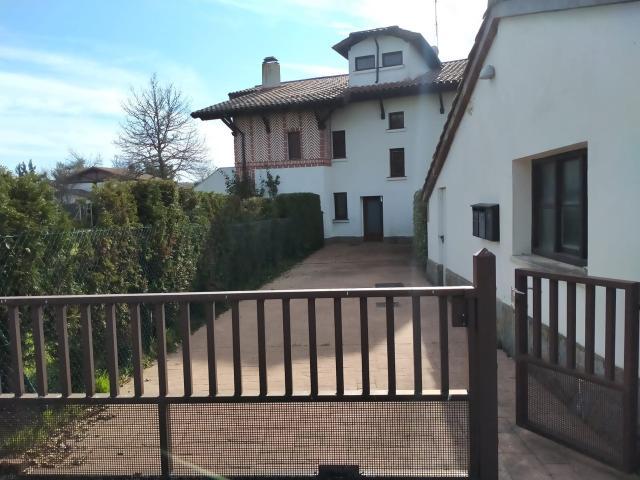 Piso en venta en Zuia, Álava, Calle de la Peña, 245.000 €, 3 habitaciones, 2 baños, 118 m2