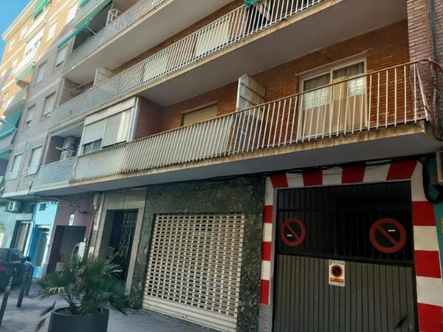 Piso en venta en Motril, Granada, Plaza Alferez Garcia Villatoro, 82.500 €, 2 habitaciones, 1 baño, 101 m2