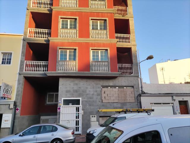 Piso en venta en Santa Lucía de Tirajana, Las Palmas, Calle Primero de Mayo, 125.000 €, 3 habitaciones, 1 baño, 134 m2