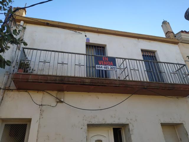 Piso en venta en Santa Bàrbara, Tarragona, Paseo de la Escuelas, 40.900 €, 3 habitaciones, 1 baño, 100 m2