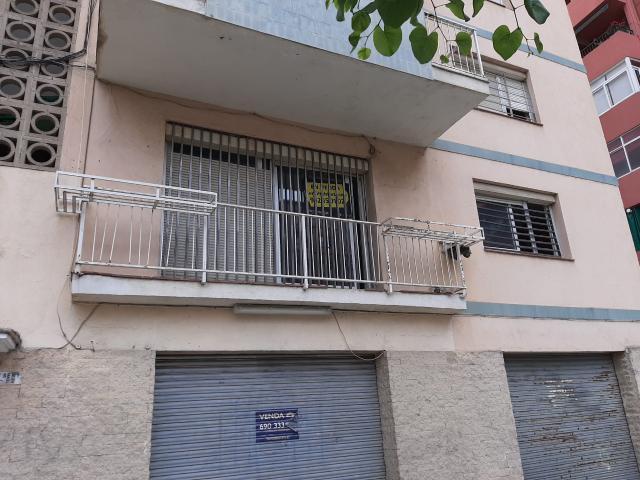 Piso en venta en Girona, Girona, Calle Montseny-sta Eugenia, 80.400 €, 2 habitaciones, 3 baños, 73 m2