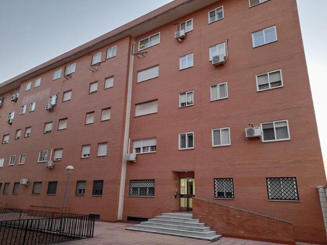 Piso en venta en Badajoz, Badajoz, Calle Castillo Puebla de Alcocer, 126.500 €, 4 habitaciones, 2 baños, 115 m2