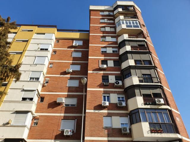 Piso en venta en Sevilla, Sevilla, Calle Santa Isabel, 105.000 €, 3 habitaciones, 1 baño, 86 m2